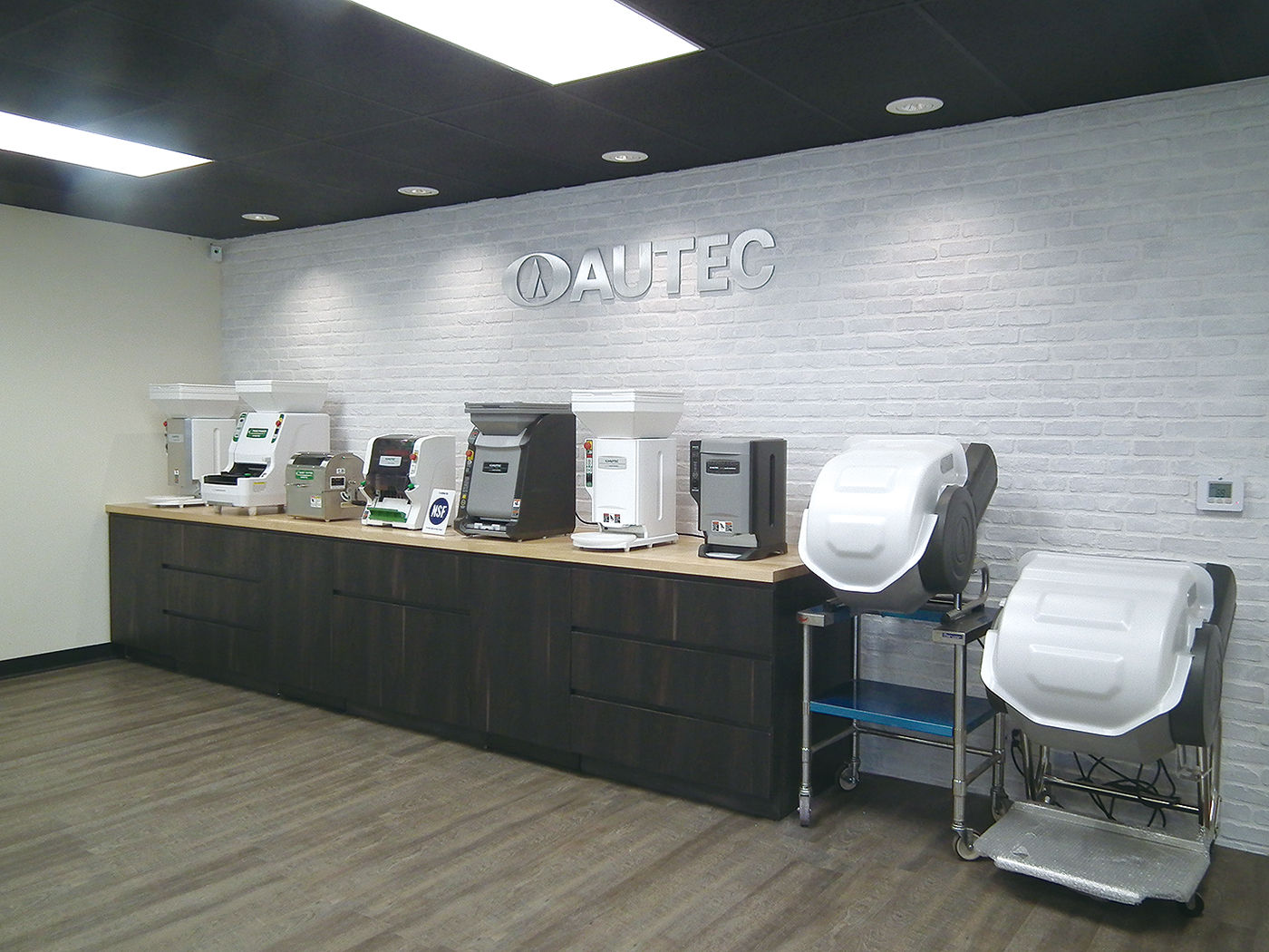 AUTEC Sushi Robot for restaurants, catering, hospitality and college dining